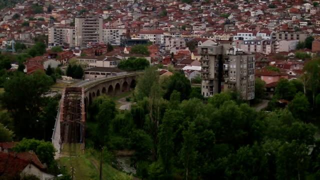 vídeos de stock, filmes e b-roll de paisagem urbana - república da macedônia