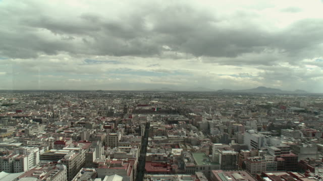 stockvideo's en b-roll-footage met ws ha td cityscape with apartment buildings / mexico city, mexico - tilt down