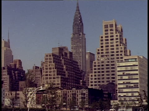 1940 ws cityscape with chrysler building / new york city, new york, usa - chrysler building stock-videos und b-roll-filmmaterial