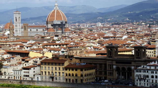 ws ha pan cityscape with santa maria del fiore and lungarno generale diaz, florence, tuscany, italy - florence italy stock videos and b-roll footage
