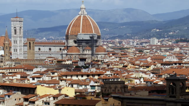 ms pan zo ha cityscape with santa maria del fiore and lungarno generale diaz, florence, tuscany, italy - florence italy stock videos & royalty-free footage