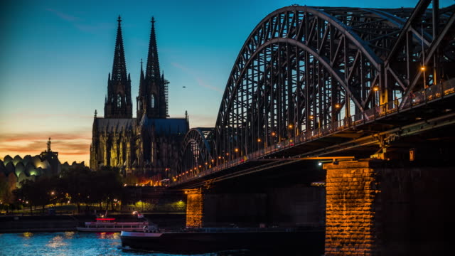 4K Cityscapes, Landscapes & Establishers : Cologne Cathedral in Germany
