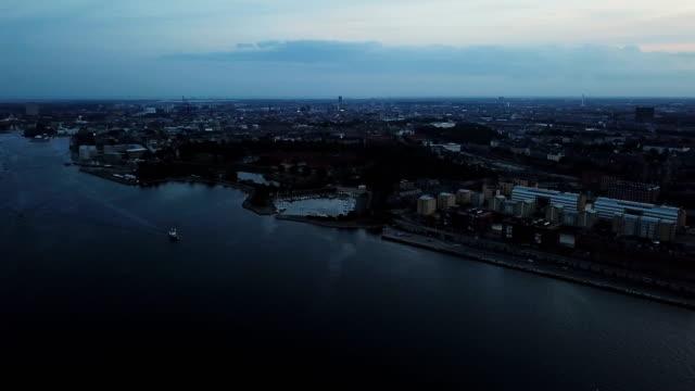 vídeos de stock e filmes b-roll de 4k cityscapes, landscapes & establishers - região de oresund