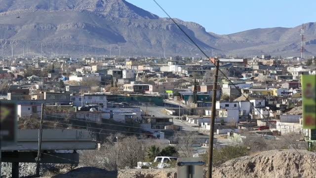 vídeos de stock e filmes b-roll de cidade juarez, méxico - bairro de lata