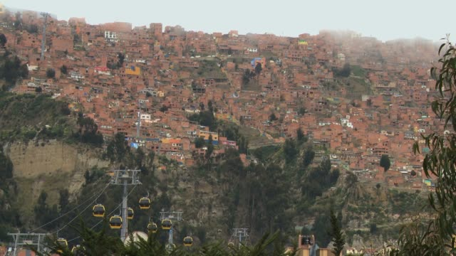 ciudad la paz the highest capital in the world - la paz region la paz stock-videos und b-roll-filmmaterial