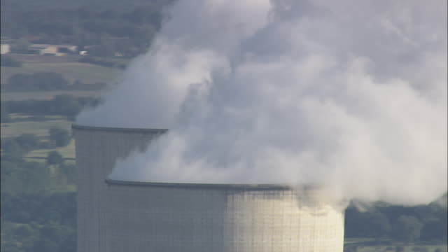 civaux nuclear power plant - atomkraftwerk stock-videos und b-roll-filmmaterial