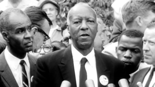 vídeos de stock e filmes b-roll de civil rights march on washington / african american civil rights leader asa philip randolph makes statement after martin luther king speech i think... - 1963