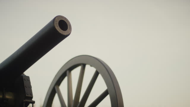 a us civil war cannon from gettysburg national military park, pennsylvania - gettysburg stock videos & royalty-free footage