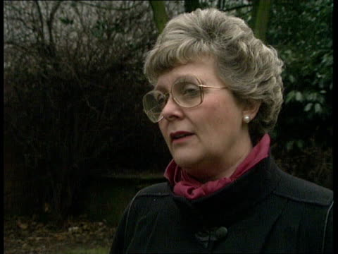 oxonbanbury cms lynda chalker mp intvwd sof the fighting clansmen are the cause of the problem - itv weekend evening news stock-videos und b-roll-filmmaterial