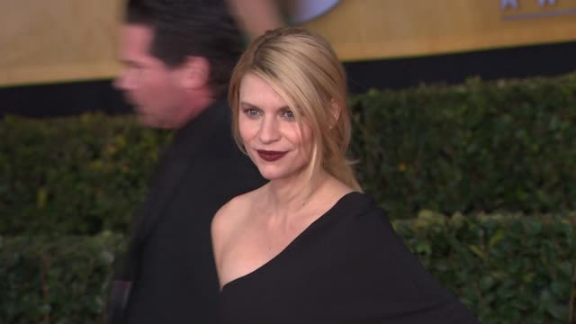 claire danes at 19th annual screen actors guild awards arrivals 1/27/2013 in los angeles ca - claire danes stock videos and b-roll footage