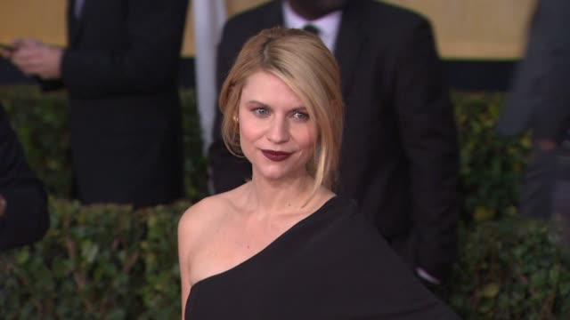 claire danes at 19th annual screen actors guild awards arrivals on 1/27/13 in los angeles ca - claire danes stock videos and b-roll footage