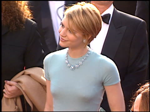 claire danes at the 1997 academy awards arrivals at the shrine auditorium in los angeles california on march 24 1997 - 69th annual academy awards stock videos and b-roll footage