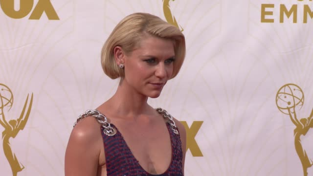 claire danes at the 67th annual primetime emmy awards at microsoft theater on september 20, 2015 in los angeles, california. - ceremony stock videos & royalty-free footage