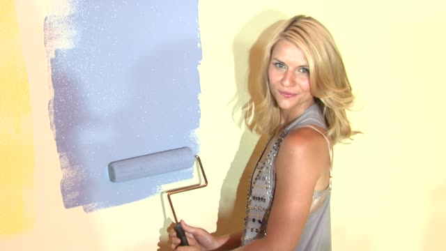 claire danes at the claire danes launches valspar's new hidef paint and exhibition at new york ny - claire danes stock videos and b-roll footage