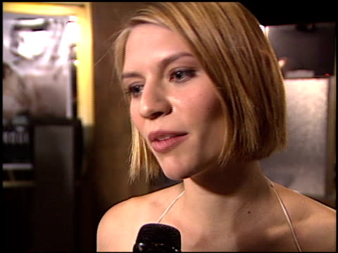 claire danes at the premiere of 'the hours' on december 18 2002 - claire danes stock videos and b-roll footage