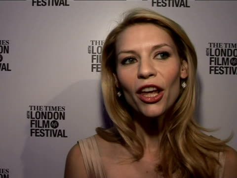 claire danes on her character in the film at the the times bfi 49th london film festival shopgirl premiere on october 28 2005 - claire danes stock videos and b-roll footage
