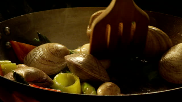 HD Clams and vegetables