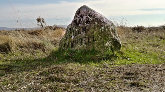 clan campbell grave at culloden battlefield, inverness-shire, scottish highlands, uk - battlefield stock videos & royalty-free footage