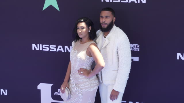 vídeos de stock, filmes e b-roll de clarence white and queen naija at the 2019 bet awards at microsoft theater on june 23 2019 in los angeles california - bet awards