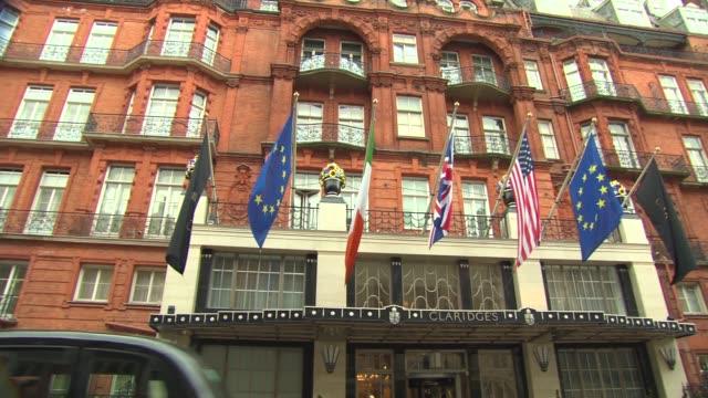 claridge's hotel london exterior views - daytime at general views london hotels - claridge's stock videos & royalty-free footage