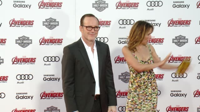 "vídeos de stock e filmes b-roll de clark gregg at the world premiere of marvel's ""avengers: age of ultron"" at dolby theatre on april 13, 2015 in hollywood, california. - the dolby theatre"