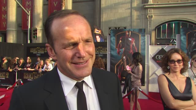 clark gregg on enjoying his ride to the premiere in audi's q7 tdi, why audi's r8 spyder seemed like a good fit for the film, the importance of fuel... - sleeve stock videos & royalty-free footage