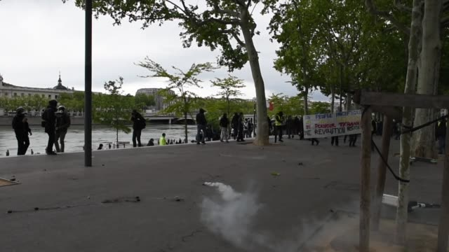 clashes between demonstrators and law enforcement along the rhone river during act xxvi of the yellow vests. lyon, 11 may 2019. - rhone river stock videos & royalty-free footage