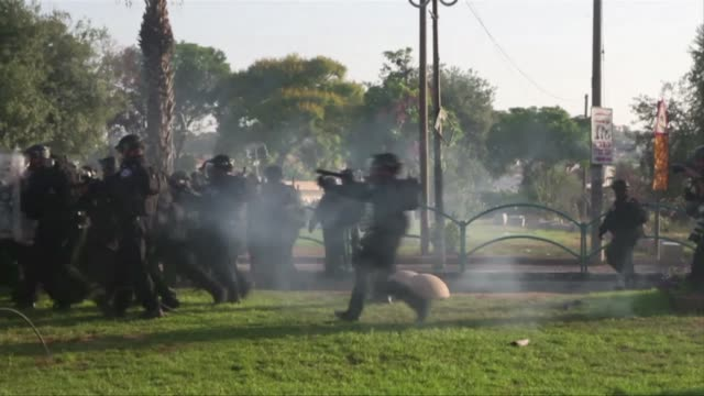stockvideo's en b-roll-footage met clashes erupted in arab towns in israel after the east jerusalem funeral of a palestinian teenager believed to have been abducted and murdered by... - oost jeruzalem