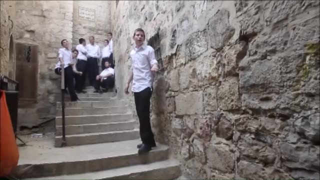 clashes have broken out between palestinians and israeli police in jerusalem's old city at the alaqsa mosque compound before the start of the jewish... - al aqsa mosque stock videos and b-roll footage