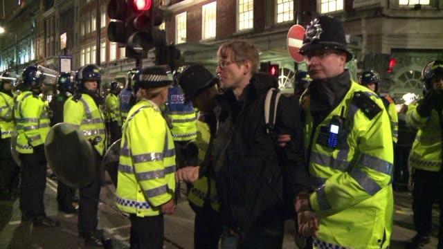 stockvideo's en b-roll-footage met clashes hit massive british anti-cuts demo. london, united kingdom. - clean