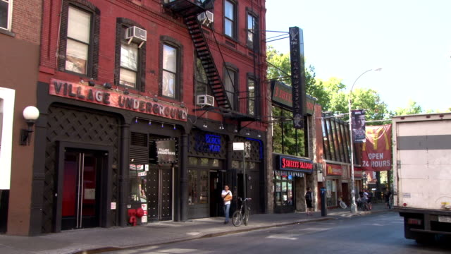 Classic Greenwich Village NYC Music Venues & Restaurants