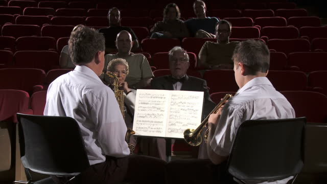 stockvideo's en b-roll-footage met hd: classical music performance - saxofonist