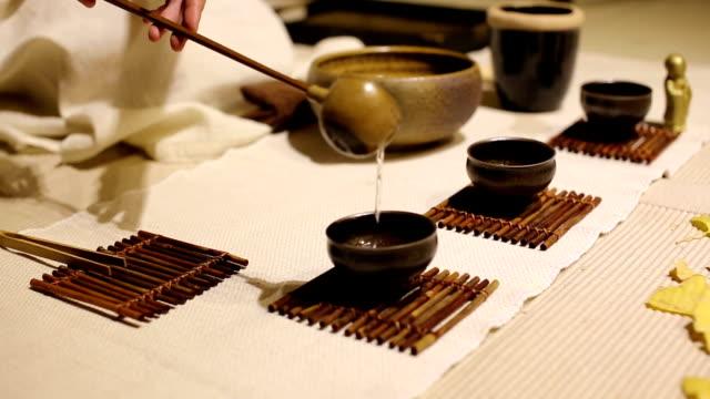 classical tea ceremony - teekessel stock-videos und b-roll-filmmaterial