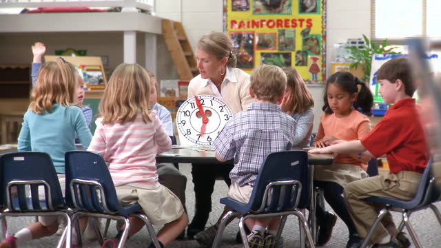 classroom of young students - preschool stock videos & royalty-free footage