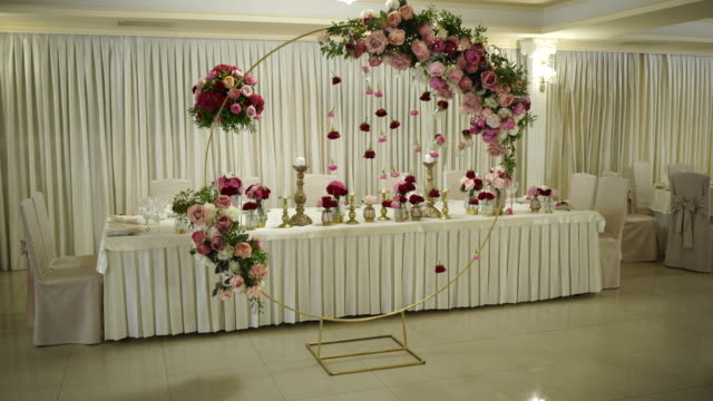 classy wedding setting - banquet hall stock videos & royalty-free footage