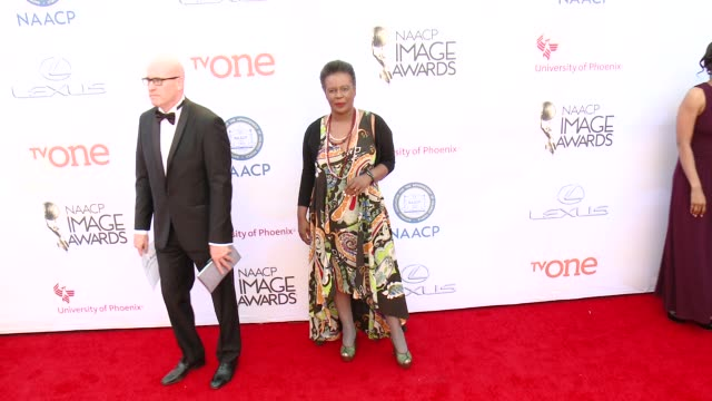 stockvideo's en b-roll-footage met claudia rankine at the 46th annual naacp image awards arrivals at pasadena civic auditorium on february 06 2015 in pasadena california - pasadena civic auditorium