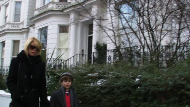 Claudia Schiffer drops her son off at school in London's Notting Hill