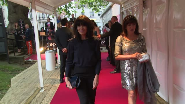 claudia winkleman - at glamour 'woman of the year' awards at berkley square on 3 june, 2014 in london, england - クラウディア ウィンクルマン点の映像素材/bロール