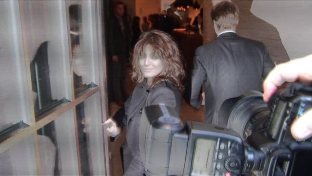 claudia winkleman at the madonna birthday party at shoreditch house 8/14/10 at the celebrity sightings in london at london england. - クラウディア ウィンクルマン点の映像素材/bロール