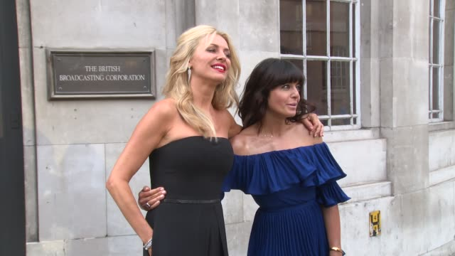 claudia winkleman tess daly at the piazza on august 28 2017 in london england - claudia winkleman stock-videos und b-roll-filmmaterial