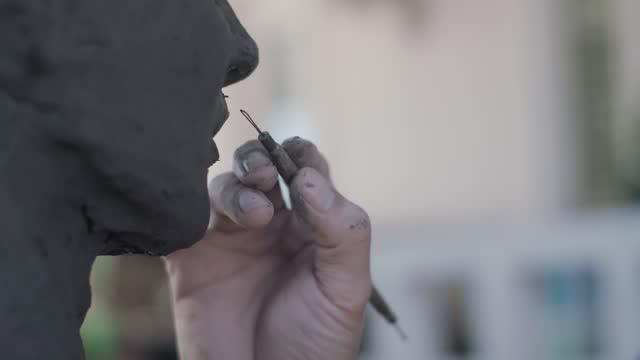 vidéos et rushes de sculpture en argile - sculpteur