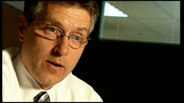 Clean energy boom in Texas INT Daniel Seligman interview SOT saying presidential candidates talk more about green jobs than global warming