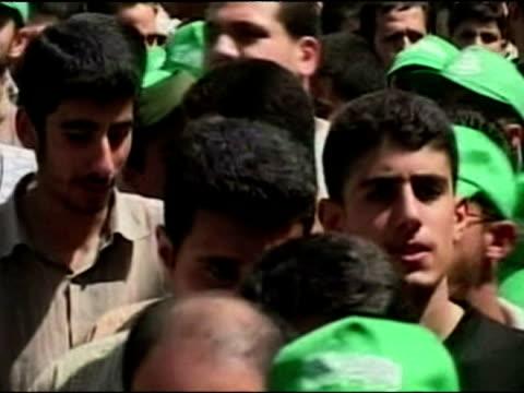stockvideo's en b-roll-footage met hamas demonstration in jerusalem against the israeli wall - oost jeruzalem