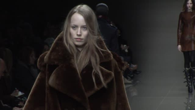vidéos et rushes de london fashion week a/w 2010 - burberry prorsum