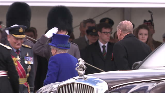 exterior shot her majesty the queen arrives at war memorial service with prince phillip, duke of edinburgh in car, gets out and walks to take seats... - war memorial stock videos & royalty-free footage