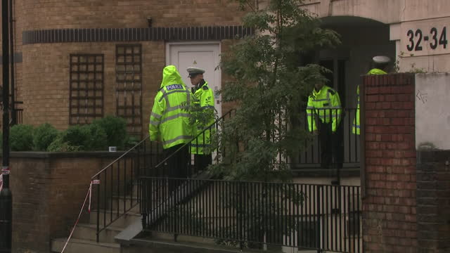 GBR: Three people have died after a car crashed into a house in Notting Hill, west London