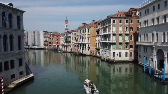 """clear """"canal grande"""" in venice, italy, in a strangely desolate and silent venice, on april 19, 2020 in venice, italy. the italian government... - venice italy stock videos & royalty-free footage"""