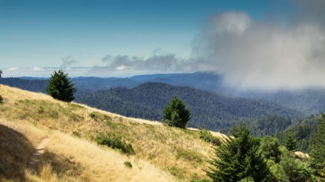 サンタクルス山脈の霧をクリア - タイムラプス - カリフォルニア州サンタクルーズ点の映像素材/bロール