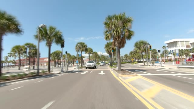 clearwater beach iv synced series rear view driving process plate - parte di una serie video stock e b–roll
