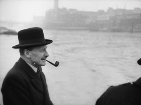 stockvideo's en b-roll-footage met clement attlee inspects the festival of london site at waterloo during his trip on the new london water bus festival - festival of britain